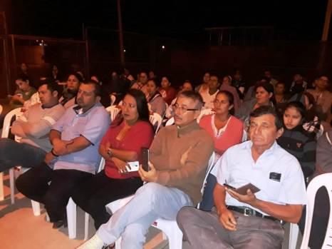 Vista parcial de la reunión de moradores de los barrios Las Marías de Montecristi.