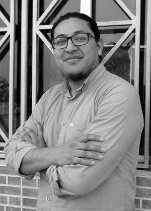 Poeta ecuatoriano Edison Navarro Cansino.