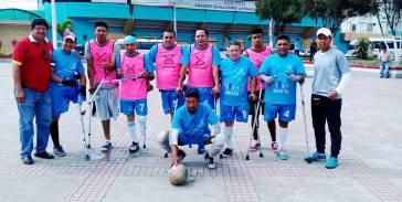 Uno de los equipos de la Escuela de Fútbol para Amputados de Manta.