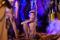 Los niños también fueron protagonistas en el pregón, como este ataviado de aborigen guerrero.