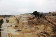 Remoción de tierra para ampliar la vía San Mateo - Santa Marianita, Cantón Manta.