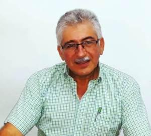 Arturo Garcés, ingeniero del departamento municipal de Agua Potable, Montecristi. Manabí, Ecuador.
