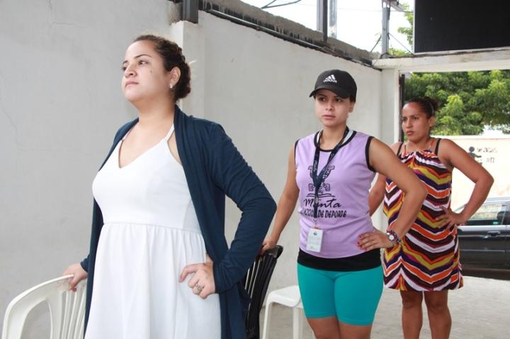 Ejercicios de bailoterapia para mujeres embarazadas, Manta. Manabí, Ecuador.