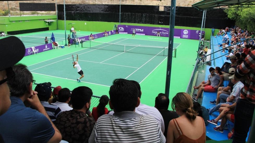 Cancha del Umiña Tenis Club, de Manta. Manabí, Ecuador.