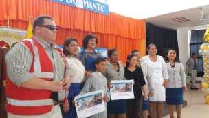 Carlos Torres (Veolia Manta), durante la entrega de premios a los ganadores de Manta.