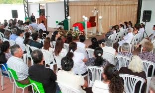 La capilla ardiente levantada en la sede del Gobierno municipal de Bolívar, en la ciudad de Calceta.