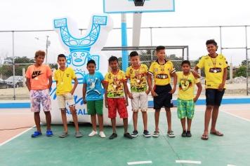 Los Morrillos ganaron el campeonato relámpago por la inauguración de la cancha en el Barrio 2 de Agosto de Manta.