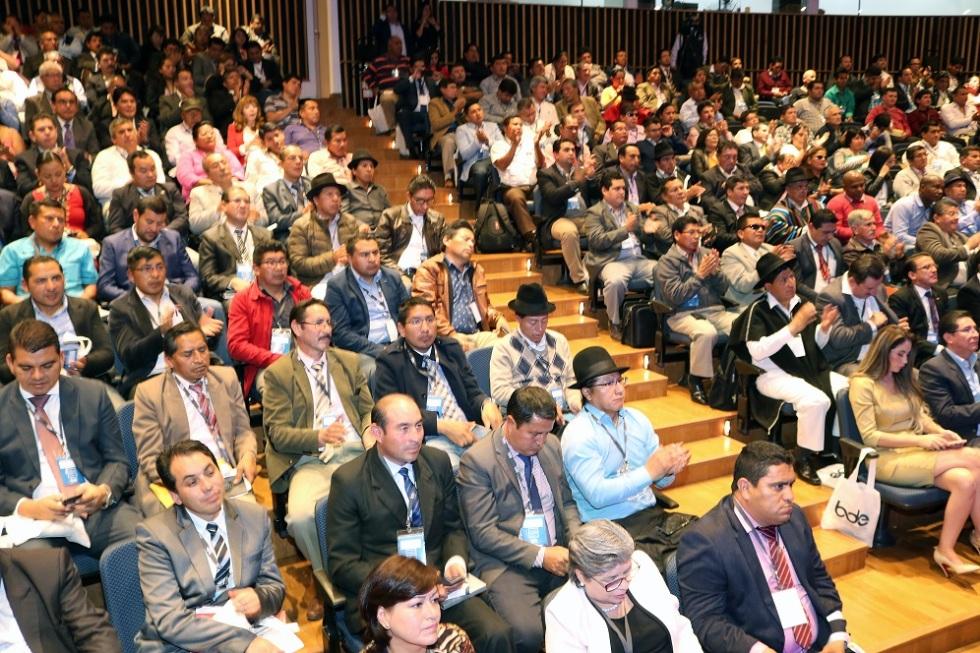 Junta General Ordinaria de Accionistas del Banco de Desarrollo del Ecuador (BDE), Quito.