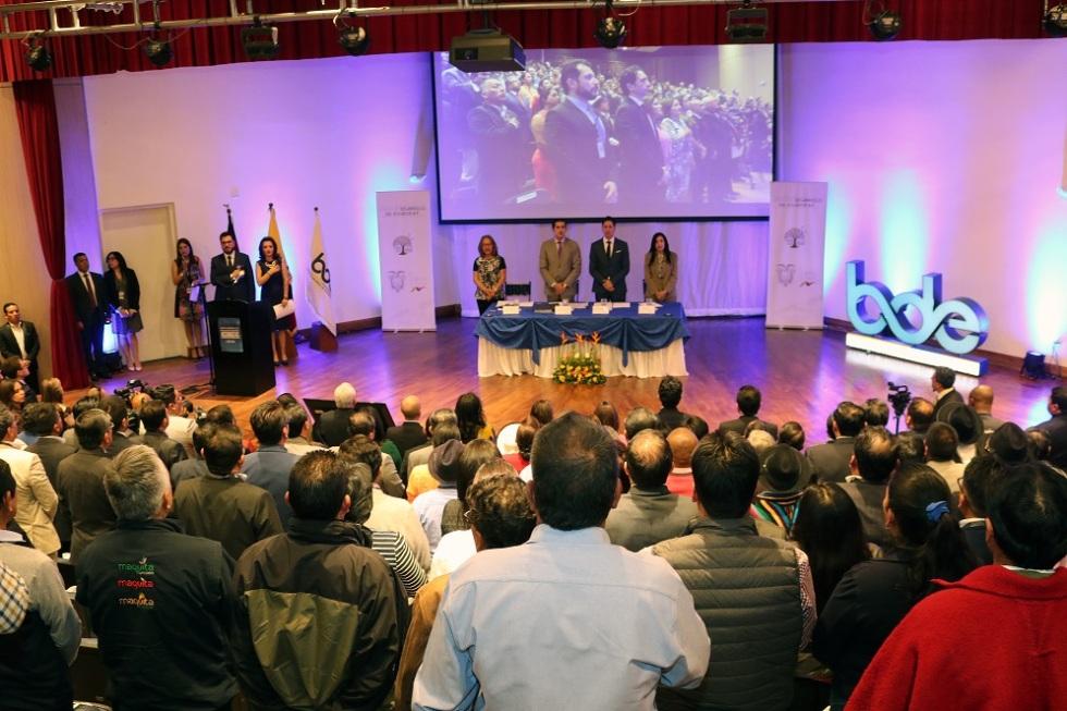 Momento inicial de la junta de accionistas 2018 del BDE. Quito, Ecuador.