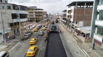 Avenida 4 de Noviembre (Manta), en regeneración.