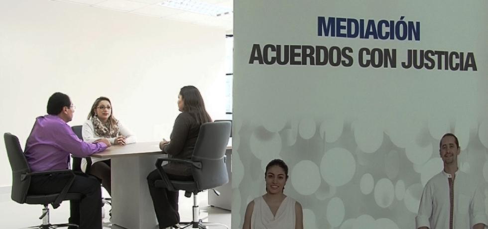 Aspecto de una audiencia de mediación en Ecuador.