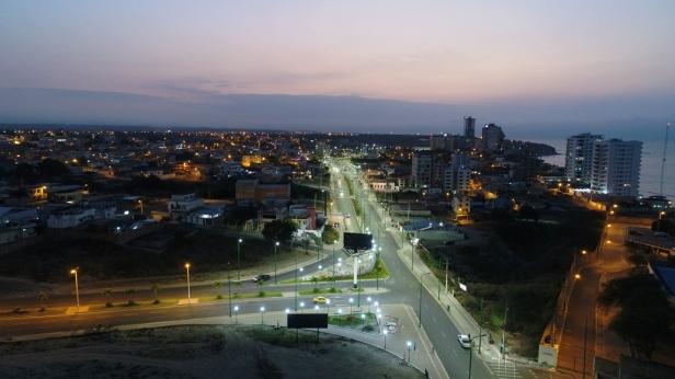 Avenida Barbasquillo, Manta, después de haber sido regenerada. Manabí, Ecuador.