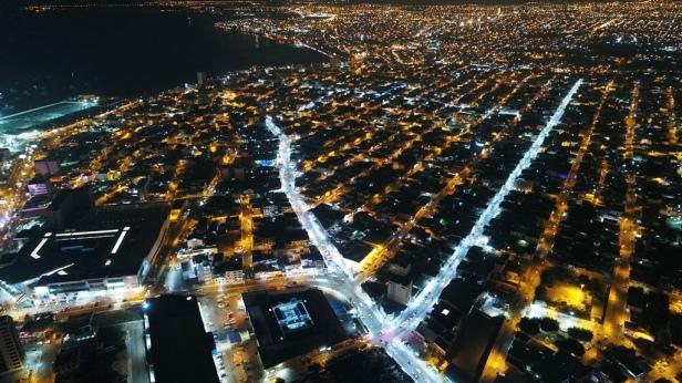 Avenida Flavio Reyes, ciudad de Manta. Manabí, Ecuador.
