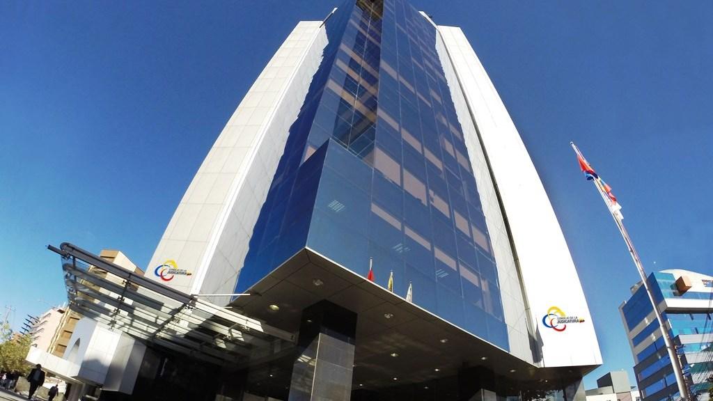 Este es el edificio sede del Consejo de la Judicatura de Ecuador, Quito.