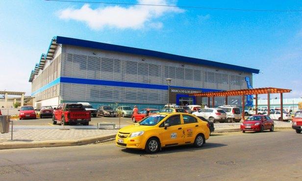 Mercado Los Esteros, Manta. Manabí, Ecuador.