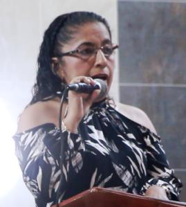 Alexandra Álava, presidenta del Comité de Festejos del Barrio 4 de Noviembre de Manta.