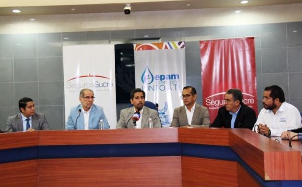 Directivos de Seguros Sucre (Guayaquil) y de Epam (Manta). Manabí, Ecuador.