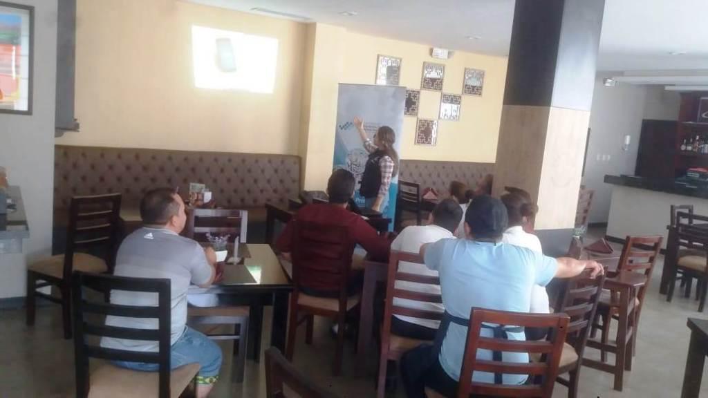Arcsa capacita a personal de restaurantes de la ciudad de Manta. Manabí, Ecuador.