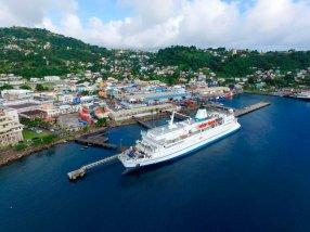 El buque Logos Hope, portador de la librería flotante más grande del mundo.