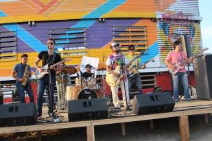 """Una de las bandas roqueras que animaron el acto de reapertura de """"La Caseta"""" de Playa El Murciélago."""