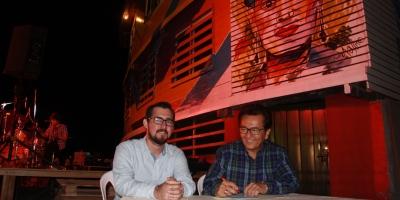 """El presidente de la CCE de Manabí y el alcalde de Manta suscriben un convenio de cooperación para rehabilitar """"La Caseta"""" de Playa El Murciélago. Manabí, Ecuador."""