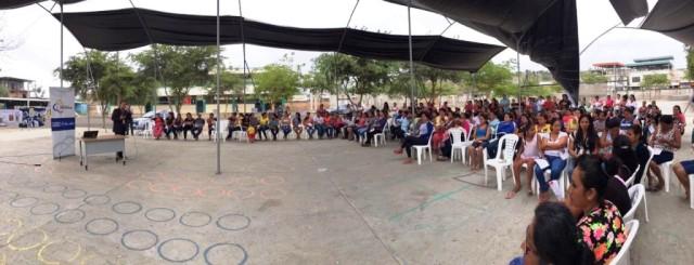 Instructor de la Judicatura en Portoviejo da charla sobre delitos sexuales en la Unidad Educativa Picoazá. Manabí, Ecuador.