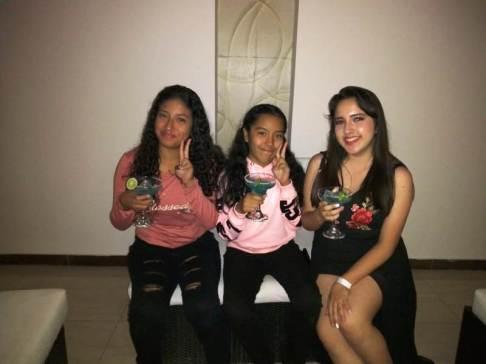 Nathaly, Antonella y Emily Ramos, en la fiesta de cumpleaños de esta última.