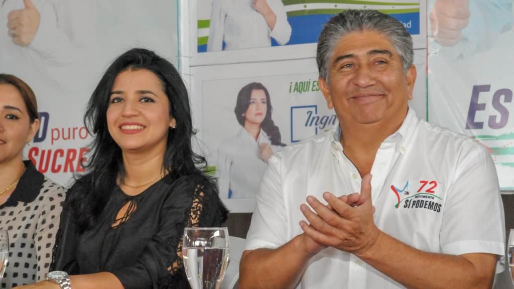 Ingrid Zambrano y Jaime Estrada, en una reunión política de Sí Podemos en Bahía de Caráquez. Manabí, Ecuador.