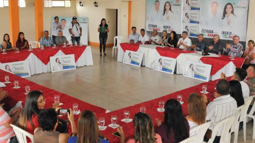 Conversatorio con líderes gremiales del Cantón Sucre.