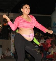 El deseo de bailar pudo más que su embarazo.