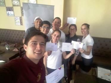 Grupo de cursillistas capacitados por Arcsa sobre la manipulación higiénica de los alimentos.