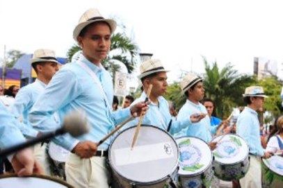 Aires marciales por el civismo ciudadano.