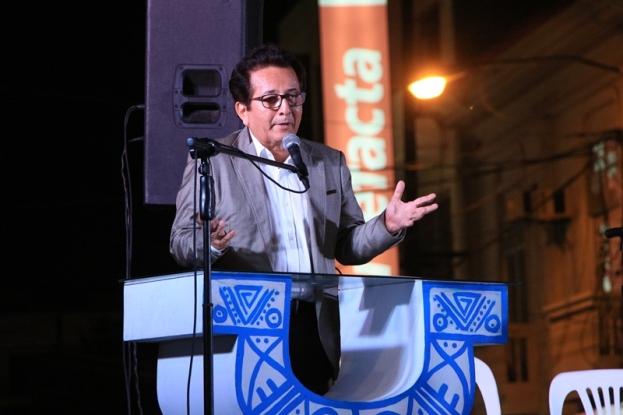 El alcalde Manta, Jorge Zambrano Cedeño, durante su discurso en la celebración por el centenario de la Casa Azúa y la reapertura del Museo Cancebí que alberga.