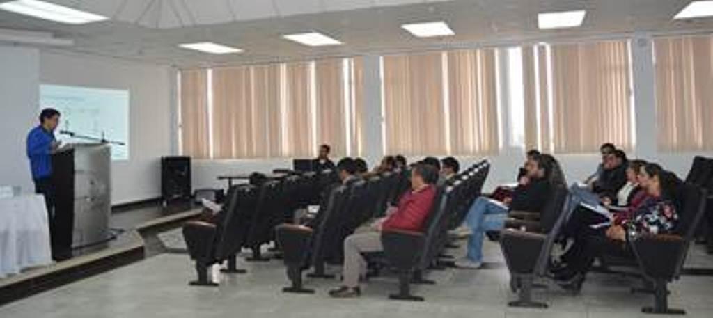 Instructor y participantes en curso-taller del Consejo de la Judicatura. Quito, Ecuador.