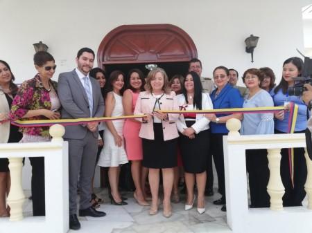 Inauguración de una oficina judicial para conocer y resolver casos de violencia contra la mujer y la familia en Portoviejo. Manabí, Ecuador.