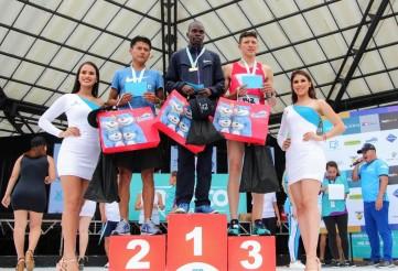 El deportista keniano, primero en su categoría por edad.