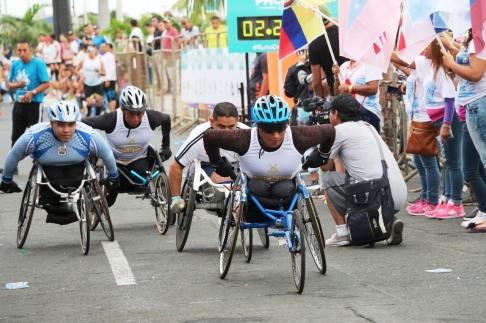 Participantes en silla olímpica.