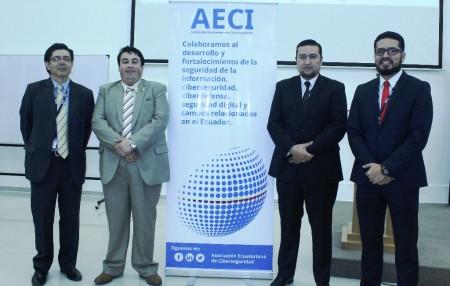 En el orden acostumbrado: Pablo Sosa, socio fundador de Aeci; Santiago Acurio, vicepresidente; Gabriel Llumiquinga, presiente; y, Jorge Guerrón, secretario. Quito, Ecuador.