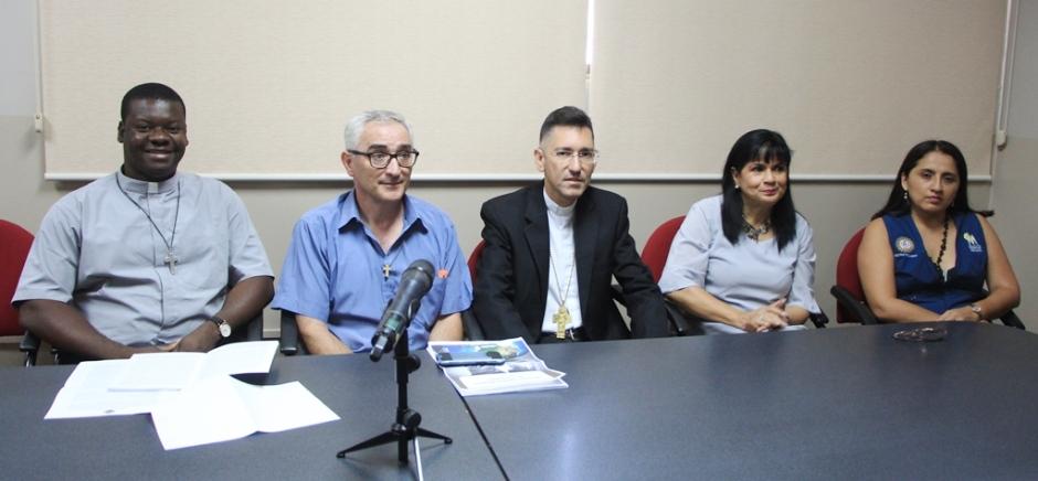 Representantes de instituciones ecuatorianas a cargo de la II Jornada Mundial de los Pobres en la ciudad de Manta. Manabí, Ecuador.
