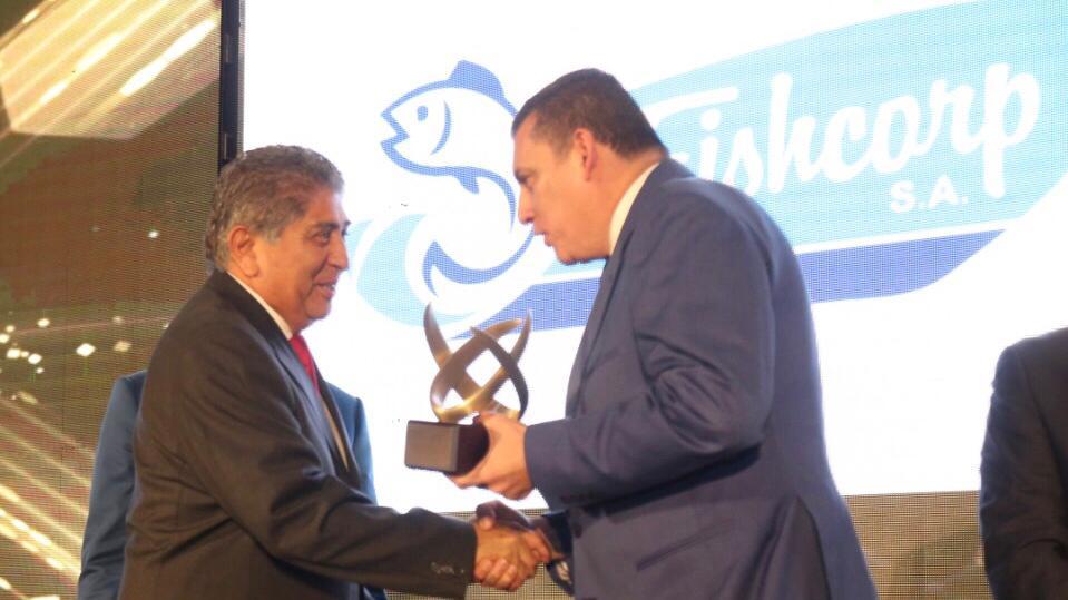 Jaime Estrada Bonilla recibe el premio Expor 2018 para su empresa Fishcorp. Manabí, Ecuador.