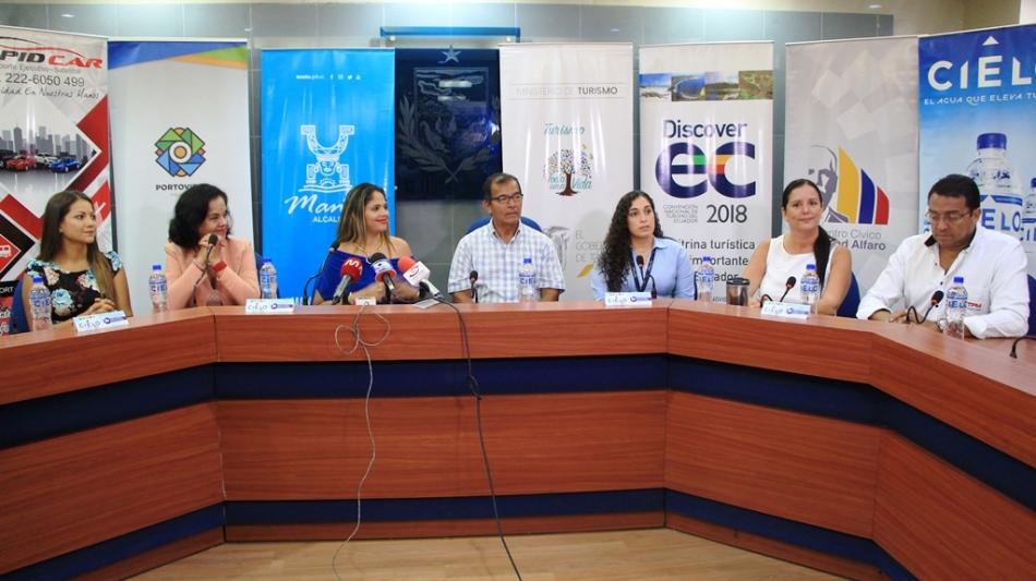 Promotores de la convención nacional de turismo Discover Ec en tres cantones de Manabí, Ecuador.