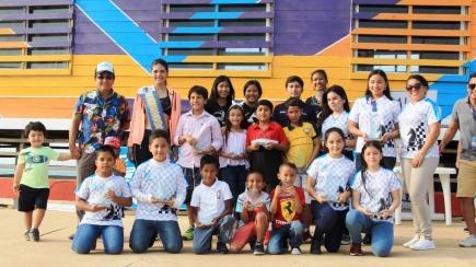 Estudiantes de deportes recibieron premio del Gobierno deManta
