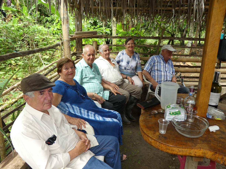 Desde la izquierda: Abogado Alexander Rodríguez Molina (sobrino) y los hermanos Flor, Pablo, Ramón, Flérida y José Molina Intriago.