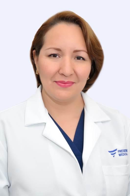 Paola Fernandez Daza, medico de Fresenius Medical Care Ecuador